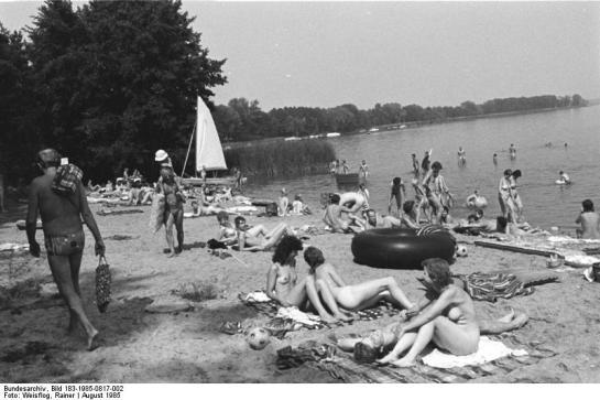 FKK-Strand am Schwielochsee. Bild 183-1985-0817-002