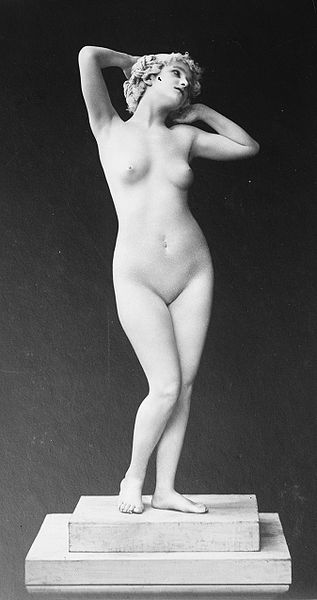 "Olga Desmond posing nude in one of her ""Evenings of Beauty"""