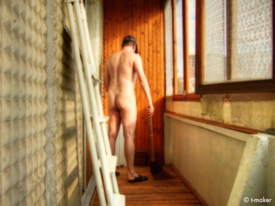 Image: Cleaning in the Nude by Vadim aka t-maker | Flickr – Photo Sharing!